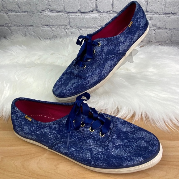 Keds Women's Size 7.5 Blue Ribbon Lace-Up Sneakers